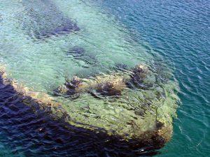 Taranto, ritrovato in mare il relitto di una nave greca con statua