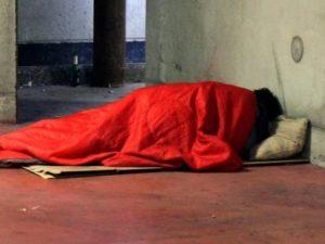 Dorme al freddo, carabinieri pagano l'albergo ad una senzatetto in difficoltà