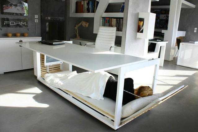 Scrivania Ufficio Design : Da scrivania a letto: il riposino si fa in ufficio