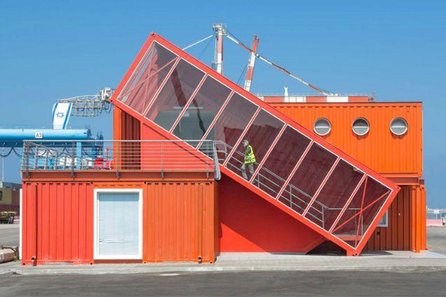 Ufficio Moderno Di Roma : Israele: come trasformare 7 vecchi container in un ufficio moderno