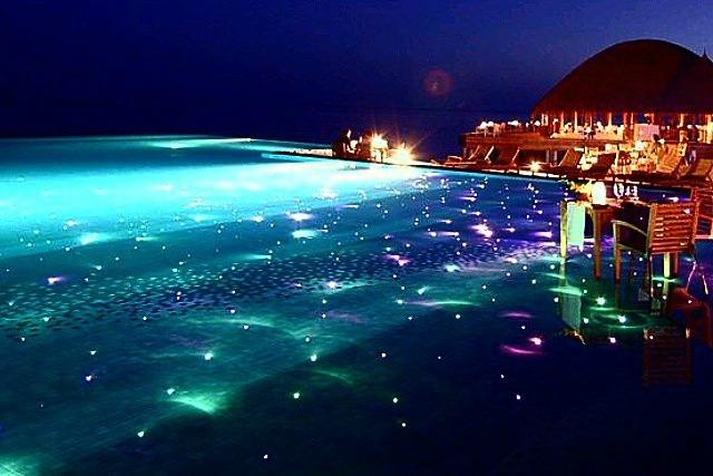 Caldo e afa le piscine pi spettacolari al mondo for Blu design piscine napoli