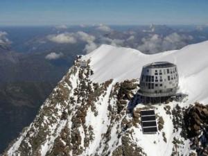 Voglia di neve? Benvenuti al futuristico Rifugio del Goûter