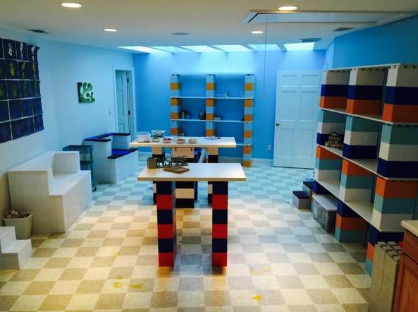 Lego mania come costruire mobili con i famosi mattoncini for Lego giganti arredamento