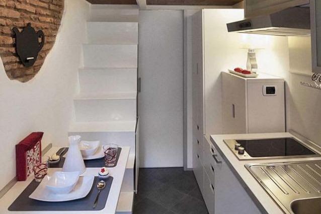 Roma vivere in 7 metri quadrati ecco la casa pi piccola d italia - La piccola cucina milano ...