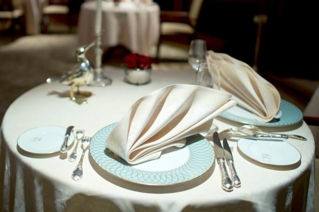 Le regole da seguire per apparecchiare la tavola in modo - Regole del galateo a tavola ...