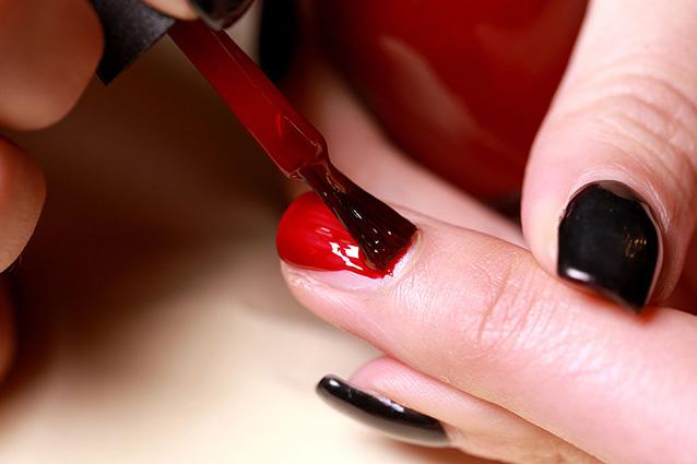 Tintura da propolis contro un fungo su unghie