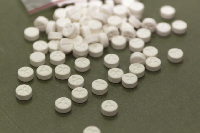 Dhea, la pillola che ringiovanisce di 20 anni mente e corpo: è davvero miracolosa?