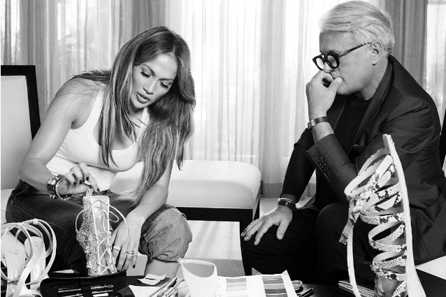 Jennifer Lopez stilista di scarpe: in arrivo i tacchi alti realizzati con Giuseppe Zanotti