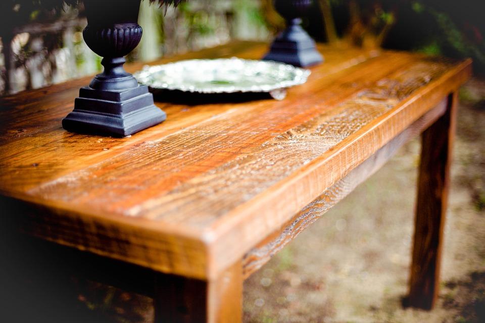 Come pulire il legno antico i metodi naturali e i rimedi pi efficaci - Carcoma en los muebles ...