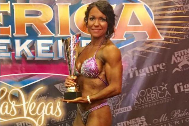 """""""L'età è solo un numero"""": a 42 anni Sheree diventa campionessa di body building"""