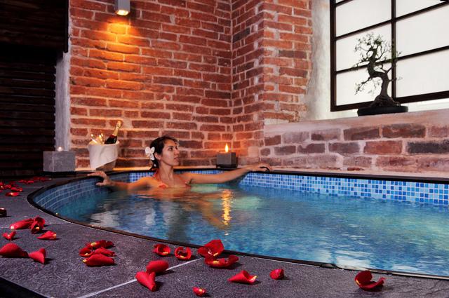 video massaggio romantico prostitute roma di giorno