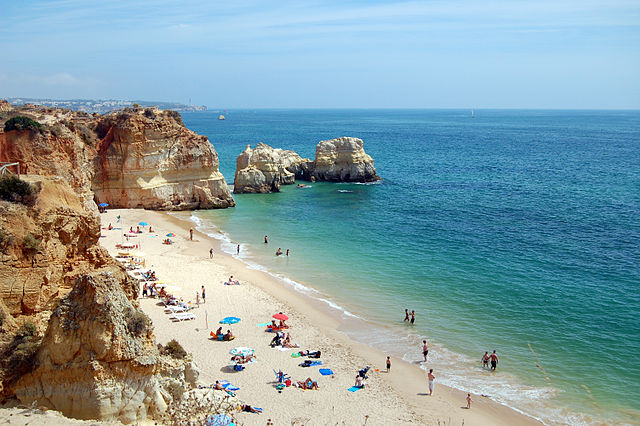 Praia da Rocha – Foto Wikipedia