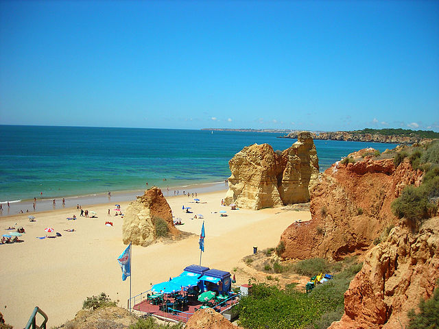 Praia do Alemao – Foto Wikimedia Commons