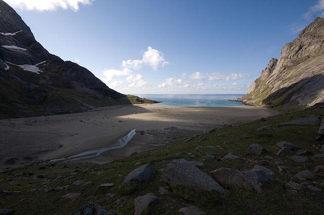 Spiaggia di Bunes – Foto Wikimedia Commons