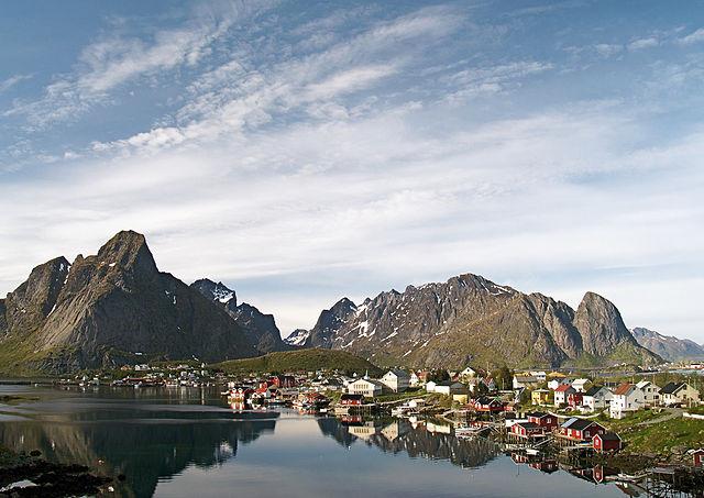 Veduta di Reine – Foto Wikimedia Commons