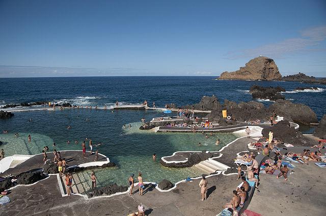 Piscine naturali di Porto Moniz, Madeira – Foto Wikimedia Commons