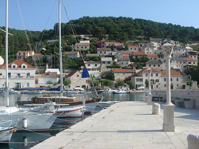 Porto di Pucisca – Foto Wikimedia Commons