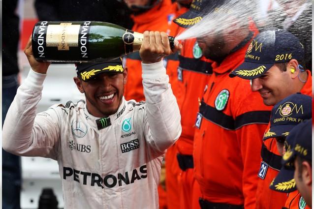 F1/Gran Premio Canada, vince Hamilton. La Ferrari sbaglia strategia