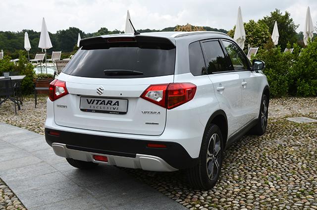 Nuova Suzuki S-Cross, molta praticità e la versione con la trazione integrale