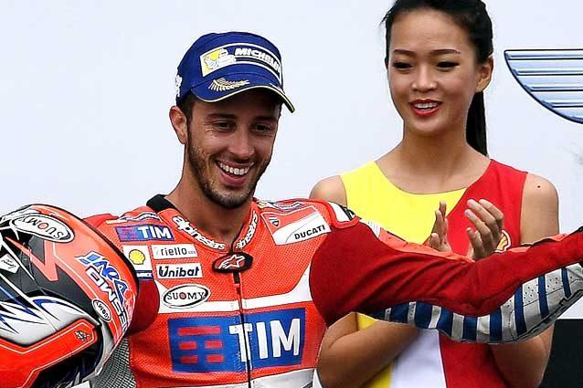 MotoGP - AustralianGP: Marquez out vince Crutchlow, Rossi che rimonta!