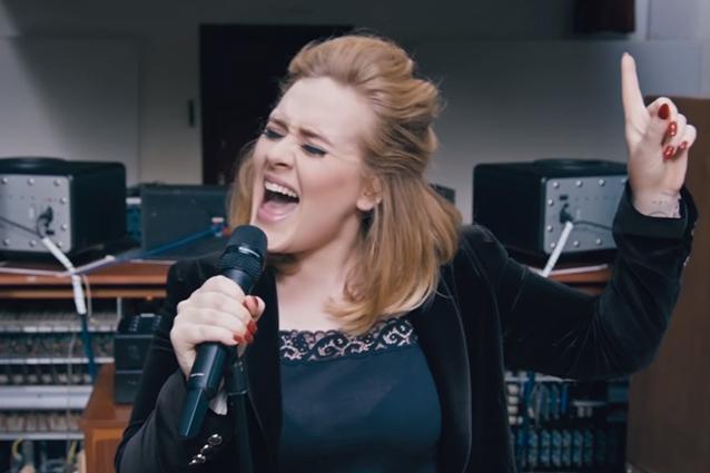 Adele, record di vendite per il nuovo album 25