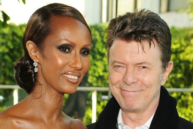 Le ceneri di David Bowie sparse a Bali alla moglie e ai figli un'eredità da 100 milioni