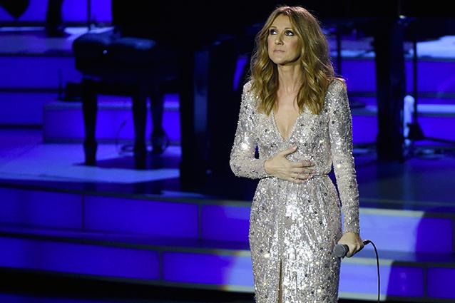 Celine Dion sul palco, si commuove ricordando il marito