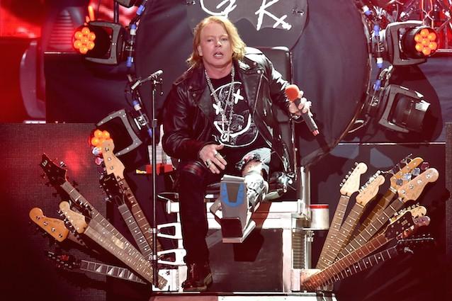 AC/DC: Axl Rose prende il posto di Brian Johnson