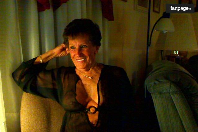 La storia di Shirley Andrews, regina del porno a 80 anni (INTERVISTA)