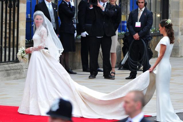 Kate Middleton: abito nuziale copiato?