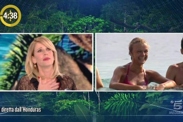 Isola dei Famosi Sara Ventura di scaglia contro Signorini