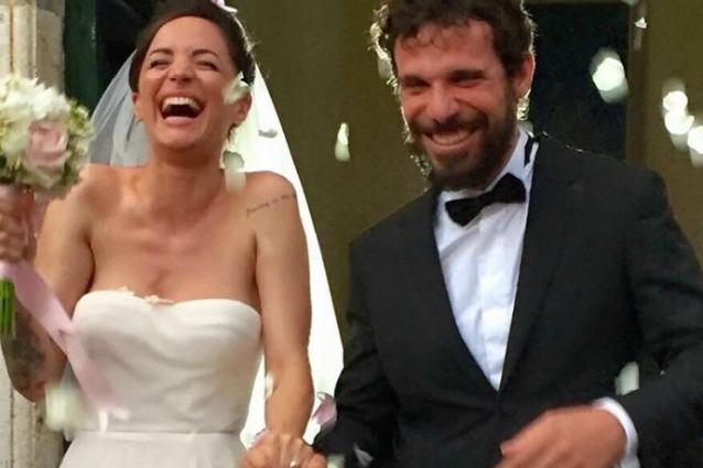 YOUTUBE Andrea Delogu sposa Francesco Montanari e canta Ambra
