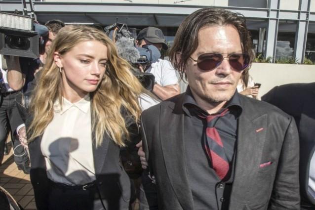 Johnny Depp accusato violenze, dovrà star lontano da Amber