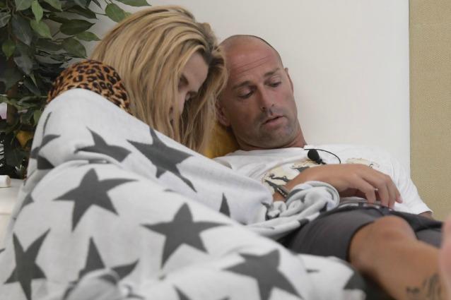 Valeria marini e stefano bettarini insieme nel letto - Ragazze nel letto ...