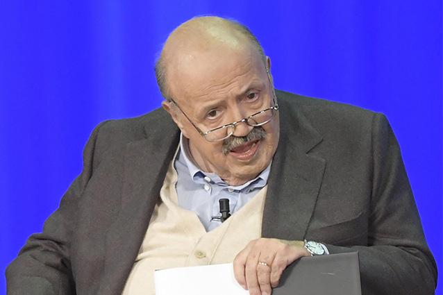 Maurizio Costanzo ricoverato d'urgenza in ospedale: le ultime notizie