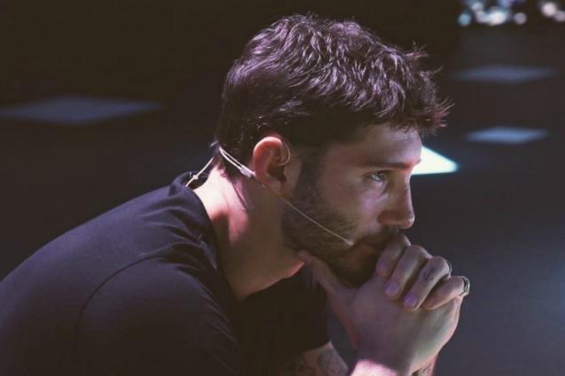 Anticipazioni Amici: Stefano De Martino in lacrime