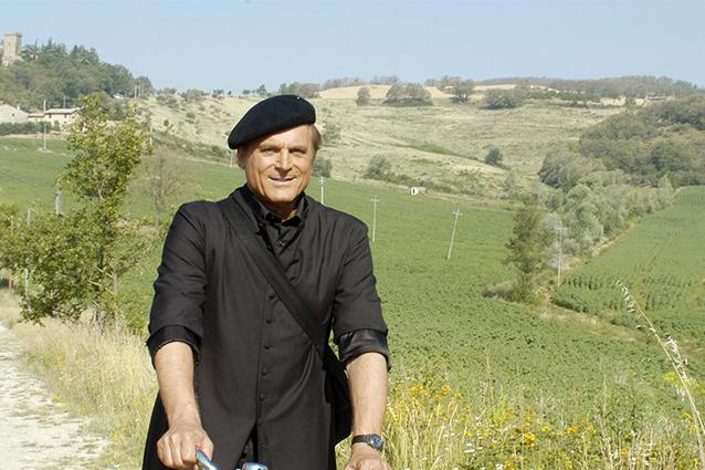 Terence Hill lascia Un passo dal cielo, al suo posto Daniele Liotti