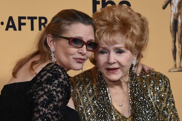 Debbie Reynolds, la madre di Carrie Fisher, ricoverata per un possibile infarto