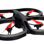 Parrot Ar Drone 2.0 Power Edition. Questo drone registra in HD (720p 30FPS) e offre la possibilità di guardare il video live in alta definizione su smartphone o tablet mentre sta volando. Vedrai immagini nitide e pulite proprio come se fossi seduto al posto del pilota. Grazie alla connessione Wi-Fi dell'AR.Drone 2.0, può volare fino a 50 metri di distanza. 349 euro.