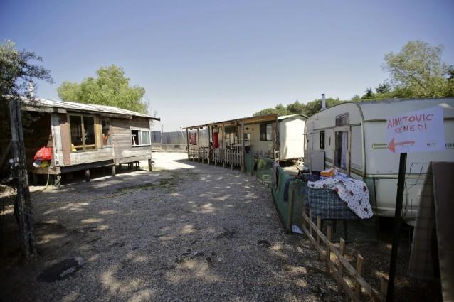 Campi Rom in mano alle coop, arrestato fondatore di Ermes: riceveva più soldi di Buzzi