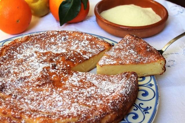 Migliaccio napoletano la ricetta originale del dolce for Cibi tipici di roma