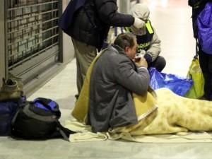 Senzatetto morto di freddo a Milano
