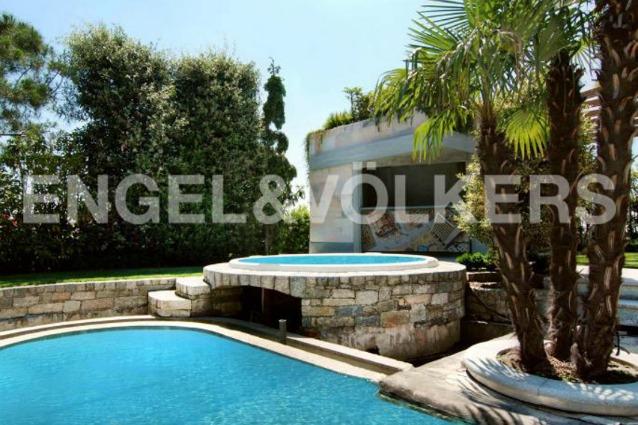 Milano in vendita l attico con piscina di gucci il for Case in vendita con casa suocera