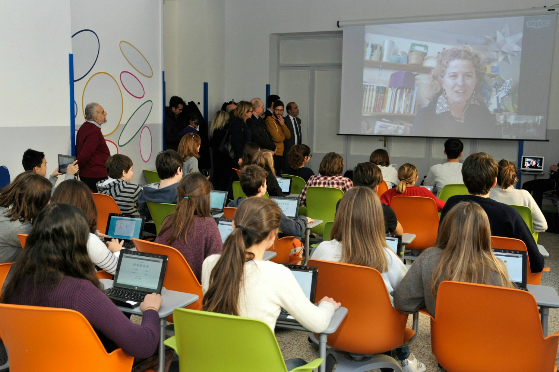 Scuola a milano l aula digitale 3 0 niente quaderni e for Scuola burgo milano