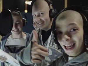La canzone di Natale dei ragazzi dell'Istituto tumori di Milano è un successo: milioni di clic