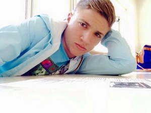 Sono le parole di Antonio Cesarano, padre di Gennaro, il ragazzo di 17 anni ucciso a colpi di pistola nella notte tra il 5 ... - Genny-cesarano-300x225