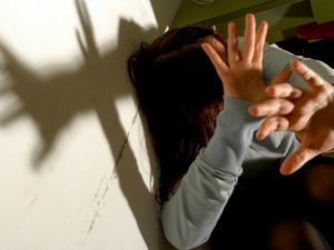 Avellino, abusi sessuali su una minorenne con problemi psichici: in manette un 30enne