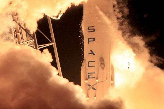 Milioni spaziali in fumo, fallito atterraggio del razzo Falcon 9