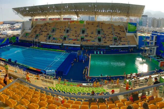 Rio 2016, piscina tuffi verde lago. Tania Cagnotto twitta: