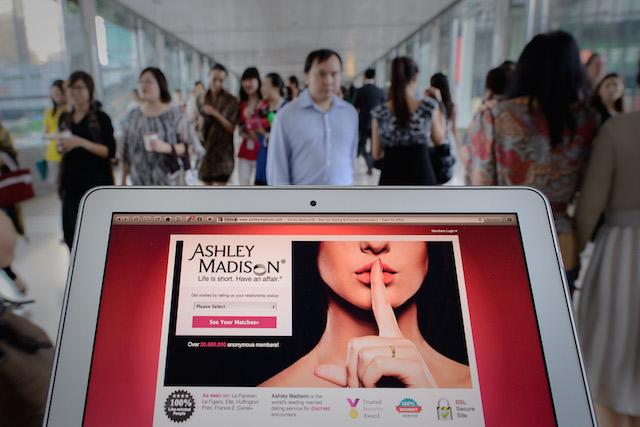 technology ashley madison hack avid life media